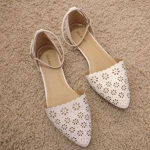 Laser cut scalloped pointed toe flats shoes sandal
